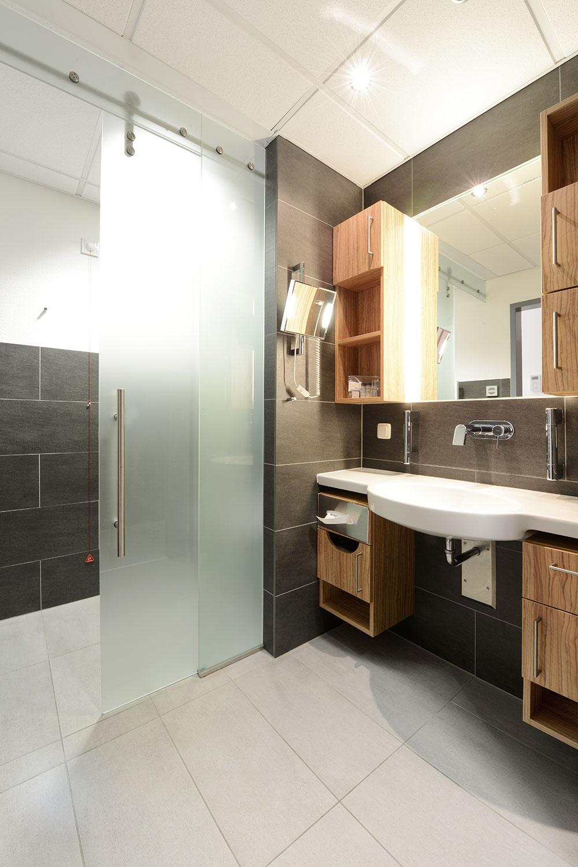 chirurgische wahlleistungsstation in d sseldorf kerstin gierse architekten. Black Bedroom Furniture Sets. Home Design Ideas