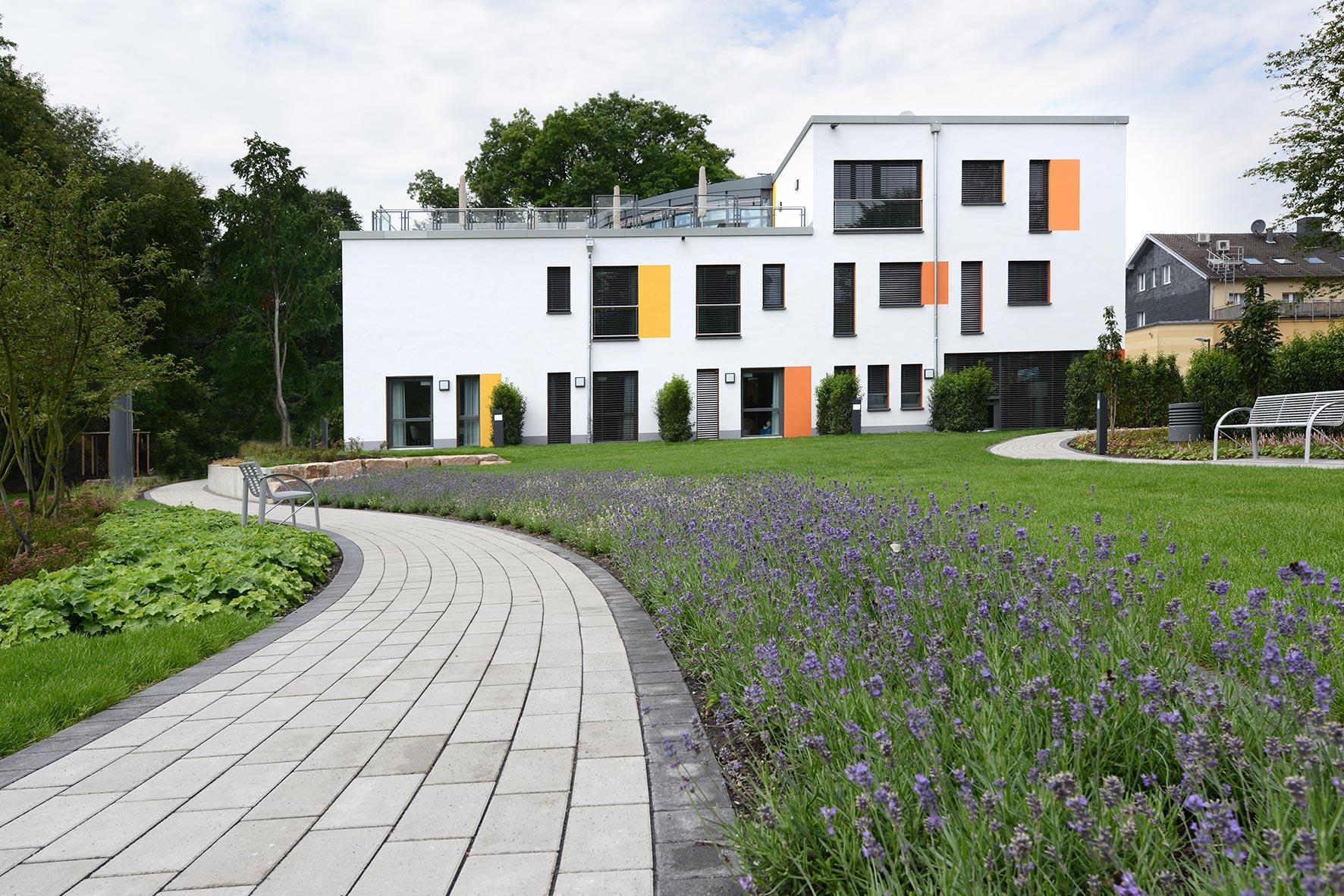 jugendhospiz regenbogenland in d sseldorf kerstin gierse. Black Bedroom Furniture Sets. Home Design Ideas